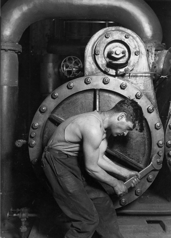 Power_House_Mechanic_by_Lewis_Hine_1920.